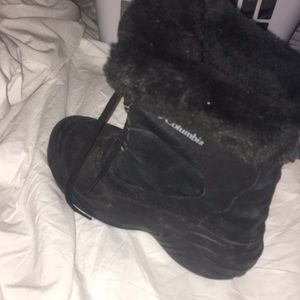 ALL ITEMS 2 FOR 1 Columbia winter boots